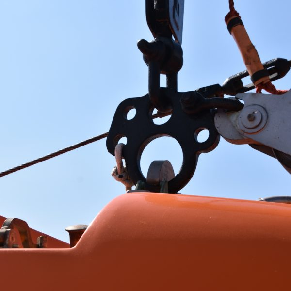 lifting device for lifeboats